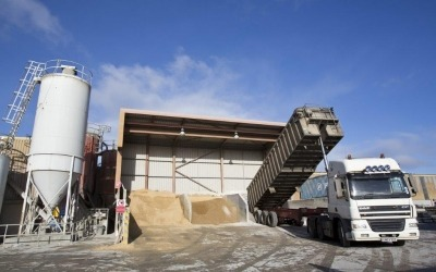 delivery of aggregate at milbank concrete yard